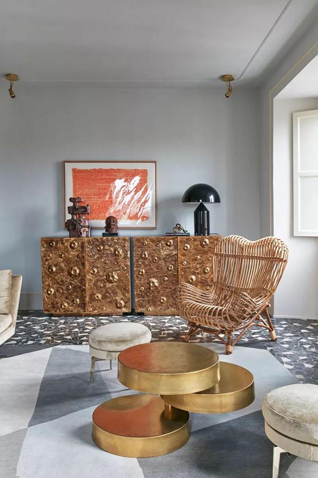 Décor do dia: sala de estar com cadeira de vime e piso de marmorite (Foto: reprodução)