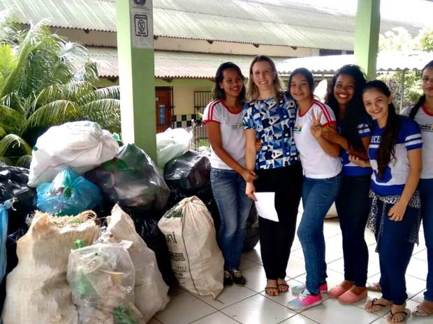 Resultado de imagem para No AC, alunos coletam mais de meia tonelada de garrafas pet em projeto