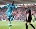 Após saída de Villas-Boas, Tottenham vence com dois gols de Adebayor