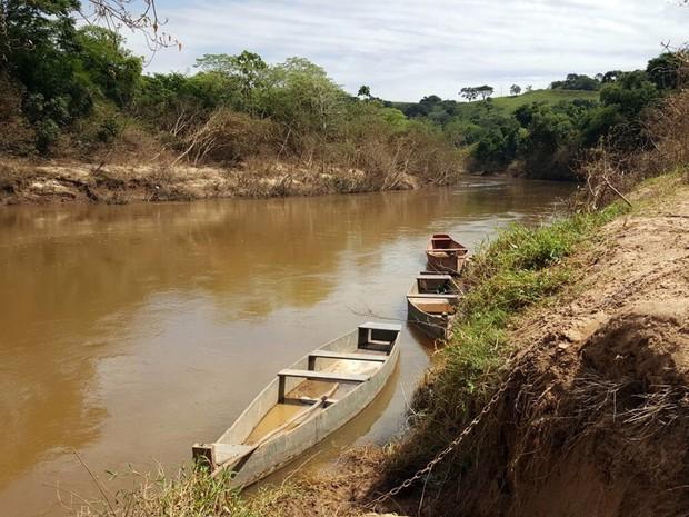 Criança de 11 anos caiu de bote no Rio Itararé e desapareceu (Foto: Romeu Neto/ TV TEM)