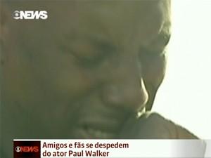 Tyrese Gibson visitou local onde ocorreu acidente que matou Walker (Foto: Reprodução/Globo News)