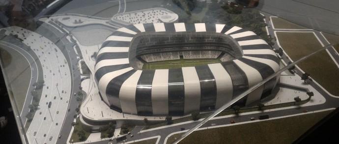 Maquete do Estádio do Atlético-MG está exposta na sede do clube, em Lourdes (Foto: Guilherme Frossard)