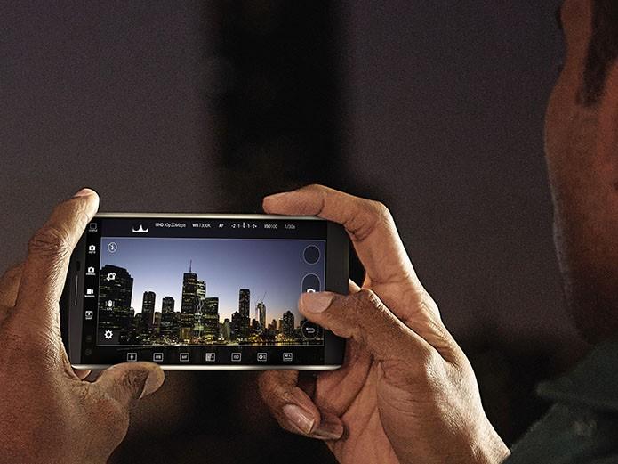 Software da câmera traz modo manual para gravações e edição de vídeo (Foto: Divulgação)