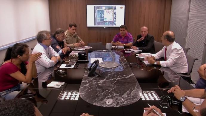 Reunião para ajustar os últimos detalhes do 'Show de Verão' (Foto: TV Morena)