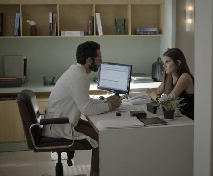 Everaldo conversa com Angel sobre doenças que podem levar à morte  (Foto: TV Globo)