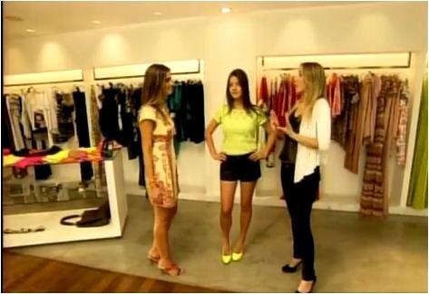 Consultora ensina com se vestir com cores fluorescentes (Foto: Reprodução EPTV)