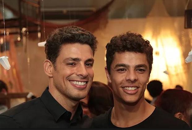 Cauã Reymond e Matheus Abreu (Foto: Divulgação/TV Globo)