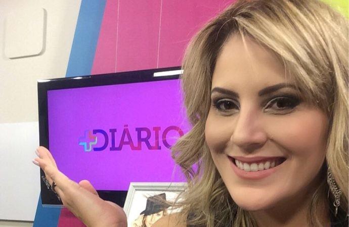 Jessica Leão no estúdio do programa (Foto: Reprodução / TV Diário)