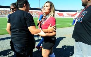 Andressa Urach no treino de Portugal (Foto: AFP)