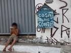 Grafiteiro cria 'casinha' de livros para crianças de sua comunidade na PB