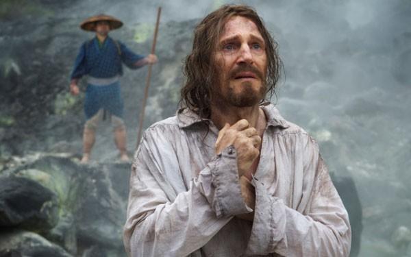 No drama, recentemente Neeson protagonizou o filme Silêncio, de Martin Scorsese (Foto: Divulgação)