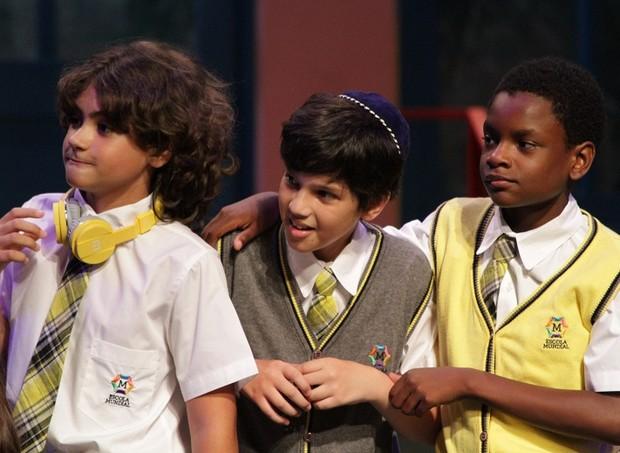 Os atores mirins no palco são bem direcionados  (Foto: Divulgação/ Giovana Cirne)