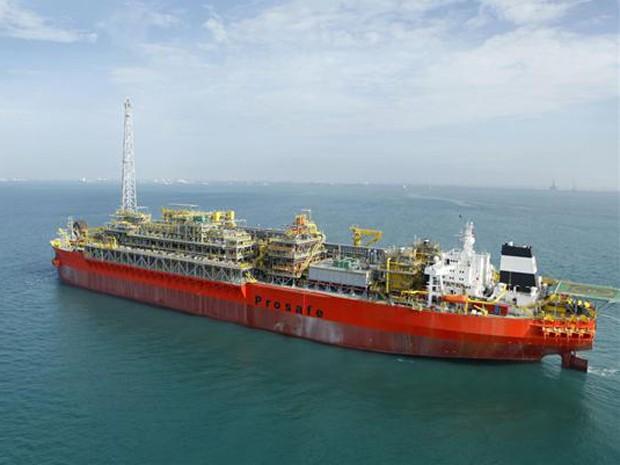 Resultado de imagem para Petrobras navio-plataforma em Sergipe