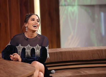 Anitta usa 'jeitinho brasileiro' para falar espanhol: 'Aprendi em umas cinco aulas'