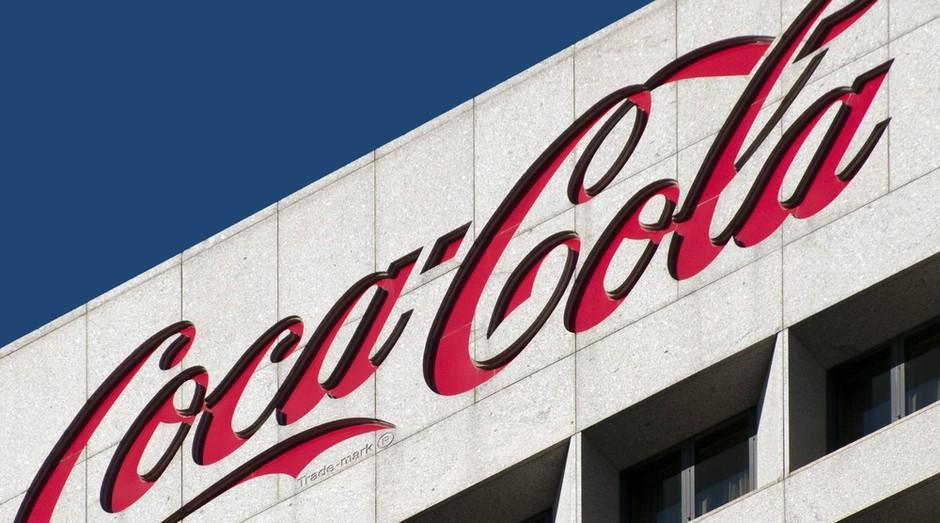 Após 13 anos na liderança do ranking, a Coca-Cola é agora a terceira marca mais valiosa do mundo e vale US$ 79,2 bilhões. (Foto: Shutterstock)
