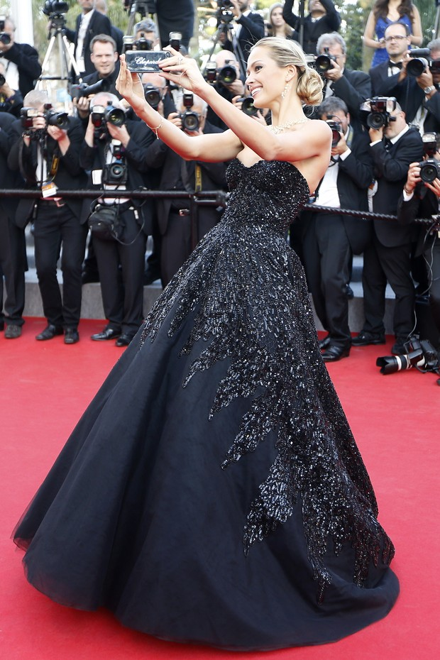 Petra Nemcova no Festival de Cannes (Foto: AFP)