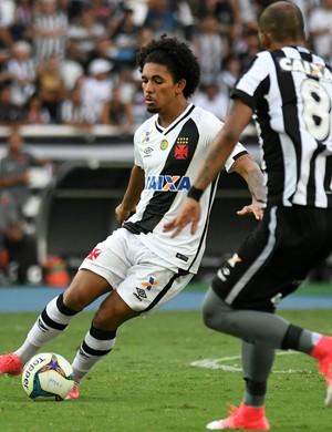 Douglas Vasco x Botafogo (Foto: Alexandre Durão)