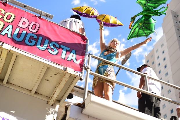 Leandra Leal em bloco de carnaval (Foto:  Leo Franco / AgNews)
