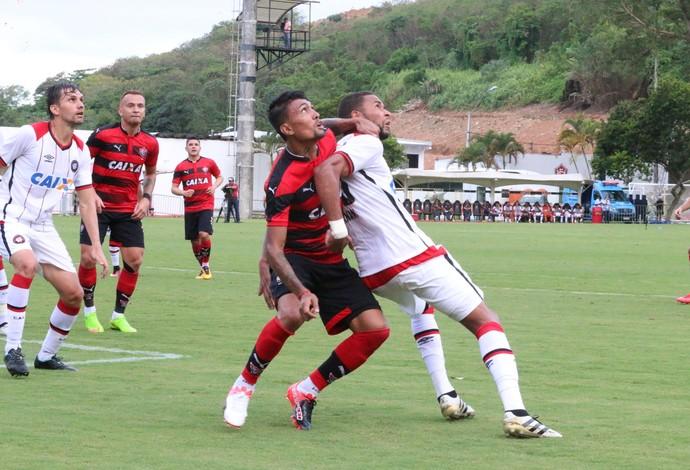 Vitória x Atlético-PR; Barradão; Kieza (Foto: Francisco Galvão/Divulgação