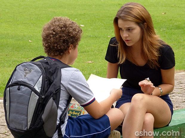 Pedro acha que Antônio tem seguidores, e Anita fica assustada com a teoria (Foto: Malhação/ TV Globo)