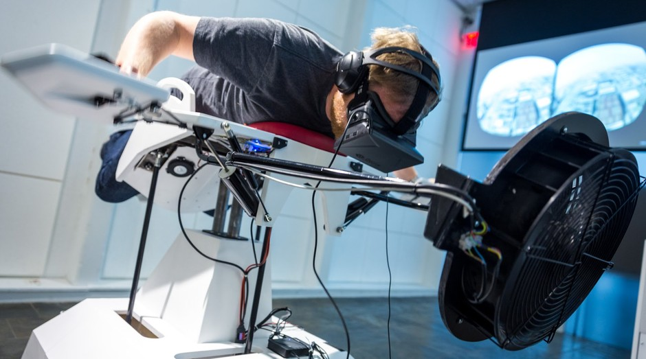 Birdly, equipamento que simula voo de um pássaro  (Foto: Divulgação)