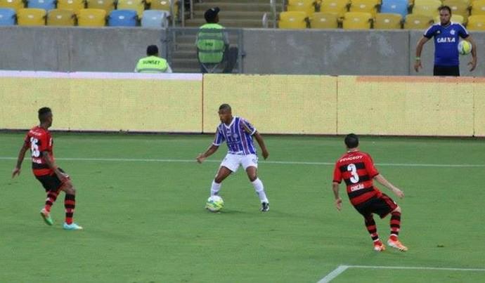 Romário, do Madureira, contra o Flamengo (Foto: Fabricio Salvador/Madureira Esporte Clube)