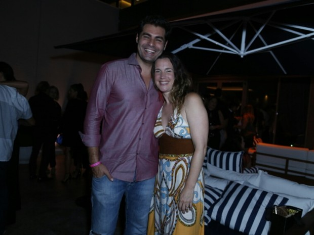 Thiago Lacerda e Vanessa Lóes em festa na Zona Oeste do Rio (Foto: Anderson Borde/ Ag. News)