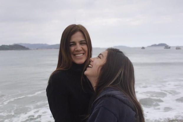 Karina Barum e a filha, Manuela, de 13 anos (Foto: Divulgação / Isadora Lima)