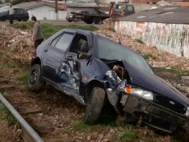Motorista do carro não era habilitado, segundo o BPTran; ele não se feriu (Foto: Divulgação / BPTran)