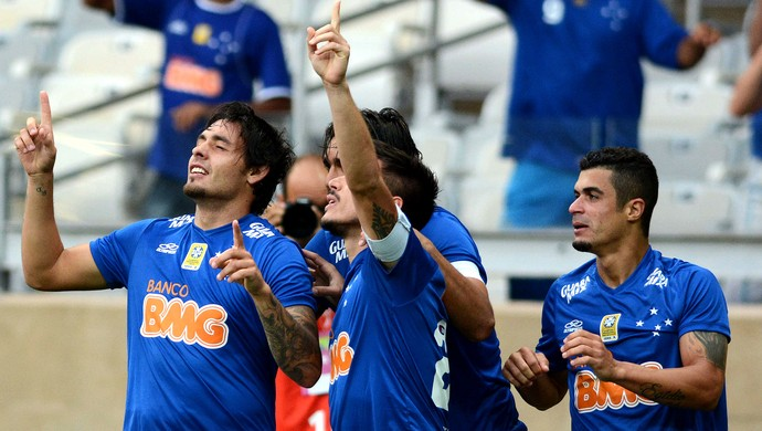 Ricardo Goulart cruzeiro e Santos (Foto: Washington Alves / Light Press )
