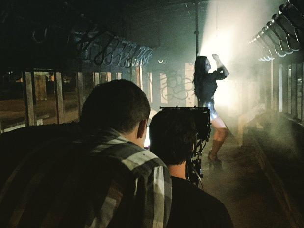Pedro Lucas dirigindo um clipe (Foto: Arquivo pessoal)