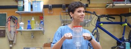Espremedor de laranja com garrafa pet: testamos a dica no 'É de Casa'