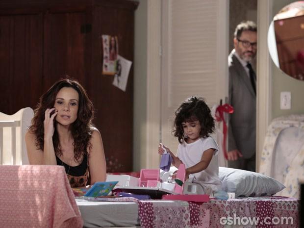 Nando fica chocado quando percebe até onde a esposa é capaz de chegar (Foto: Felipe Monteiro/ TV Globo)