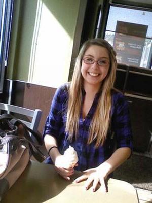 Foto sem data mostra Jenny Gamez, jovem cujo corpo foi encontrado em uma mala nos EUA (Foto: Cortesia de Lorraine Eriksen/AP)