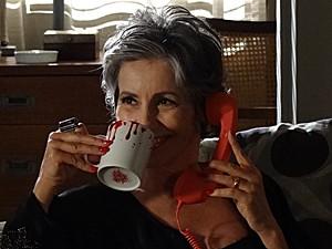 Cínica, Melissa não se arrepende de ter mandado matar Juca (Foto: Amor Eterno Amor/TV Globo)