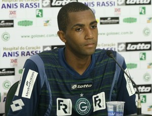 Marcos Paulo, volante do Goiás (Foto: Rosiron Rodrigues/Goiás E.C)