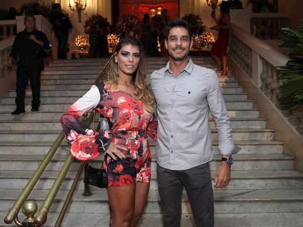 Ex-BBBs Franciele Almeida e Diego Grossi em festa na Zona Sul do Rio (Foto: Thyago Andrade e Marcos Ferreira/ Brazil News)