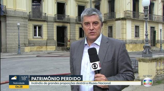 Pezão manifesta solidariedade aos funcionários do Museu Nacional