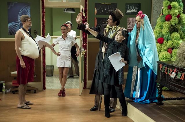 Cininha de Paula dirige elenco da 'Escolinha do Professor Raimundo' (Foto: Estevam Avellar/TV Globo )