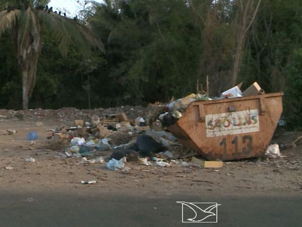Reserva Itapiracó, em São Luís, é ameaçada pelo excesso de lixo  (Foto: Reprodução/TV Mirante)