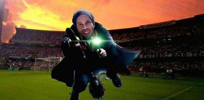 Ronaldinho Gaúcho  a magia continua forte d501355014d88