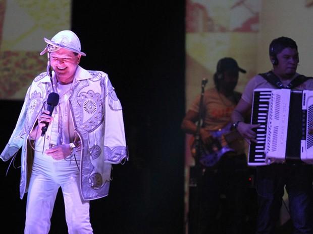 Eliminatória do Forró Fest 2013 no Conde, com apresentação de Alcimar Monteiro. (Foto: Francisco França/Jornal da Paraíba)