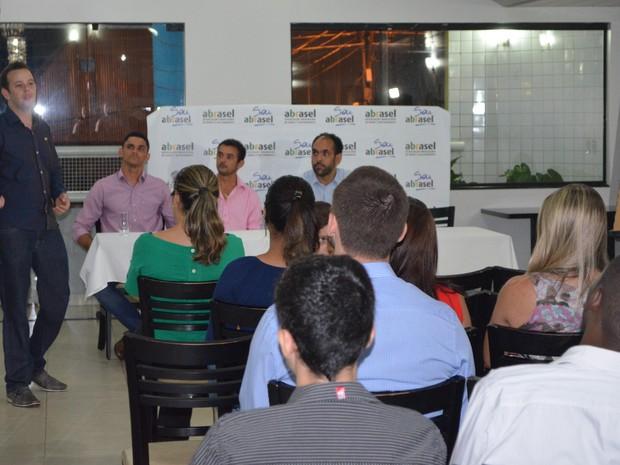 A pesquisa será feita durante dois meses por estudantes de Administração. (Foto: Rogério Silva)