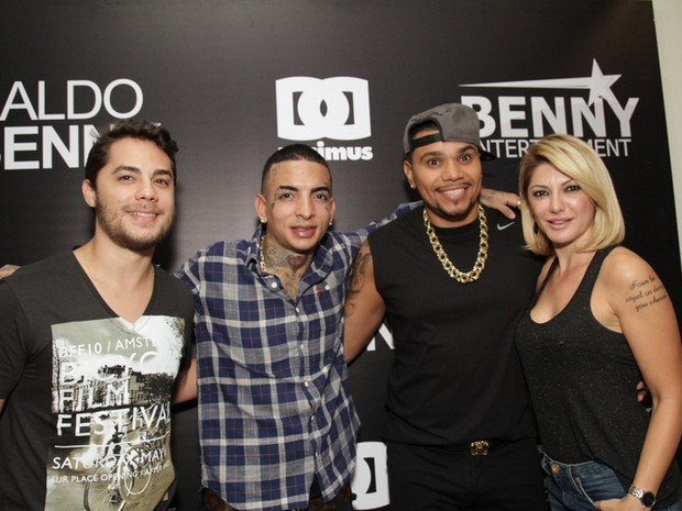Levi Lima, Mc Guimê, Naldo e Antônia Fontenelle em show no Rio (Foto: Udo Kurt/ Foto Rio News)