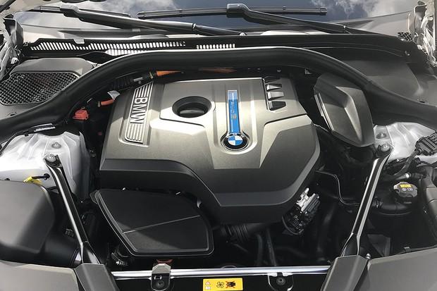 BMW 530e iPerformance 2018 (Foto: Michelle Ferreira/Autoesporte)