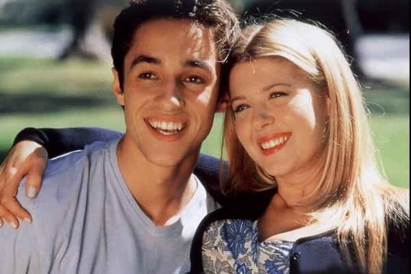 Tara Reid e Thomas Ian Nicholas no filme American Pie (1999) (Foto: Divulgação)