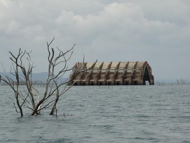 Velha Petrolândia foi inundada em 1988 para construção de hidrelétrica (Foto: Paula Cavalcante/ G1)