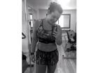 Fernanda Souza exibe barriga sarada e avisa: 'Operação biquíni'