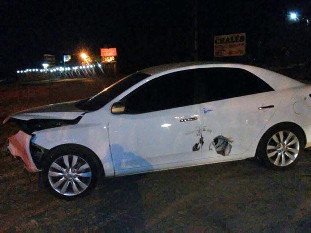 Carro de sargento, capotado após sequestro no DF (Foto: Polícia Militar/Divulgação)