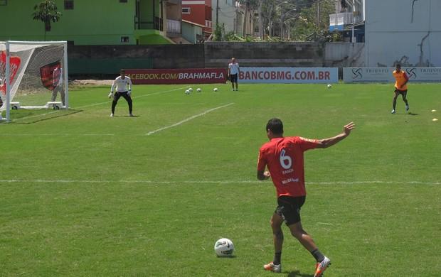 ramon flamengo treino (Foto: Globoesporte.com)